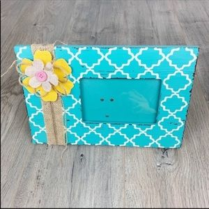 Other - Girl Flower Picture Teal/White/Yellow Frame 8 x 12